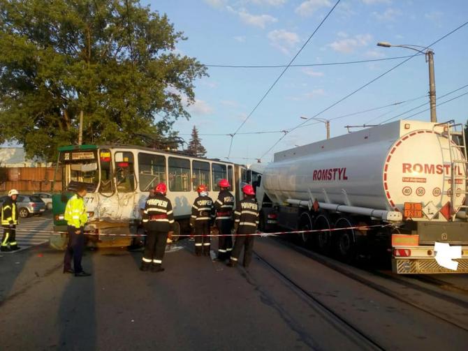 tramvai-lovit-de-o-cisternă-Cluj-Napoca
