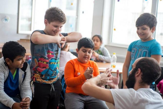 Copiii sunt beneficiari ai activităţilor derulate în cadrul Programului Integrat de Educaţie pentru Diversitate (PIED)