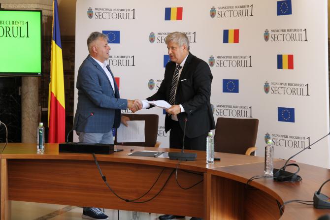 Dan Tudorache, primarul Sectorului 1 și Florin Florea, președintele Federației Române de Atletism au semnat protocolul de colaborare