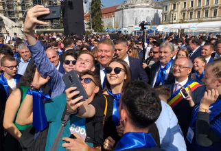 Klaus Iohannis - Baie de mulțime la Cluj