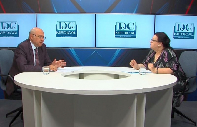 Acad prof dr Irinel Popescu față în față cu prof dr Liliana Pâslaru. Foto: DC News