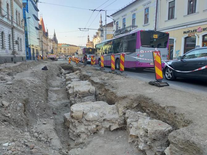 Modernizare Strada Ferdinand Cluj - Descoperire arheologică, rămășițe turn medieval