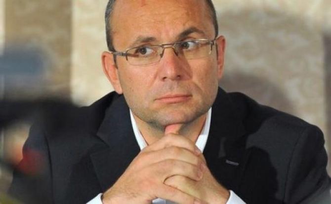 Cozmin Gușă: Campania este bine structurată tehnologic, dar are o manifestare care nu ține cont de lebedele negre, adică evenimente neprevăzute