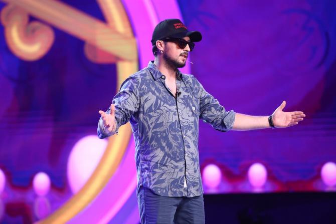 George Țintă revine pe scena de la iUmor cu un număr senzațional de stand-up mâine searã, de la 20:00, la Antena 1.