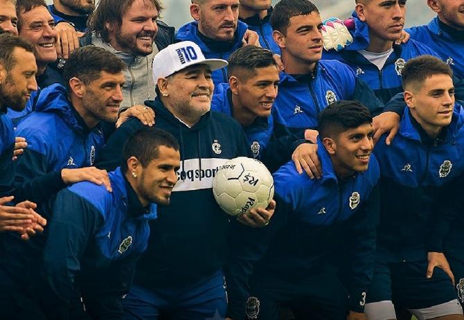 Diago Maradona sărbătorit. foto: @diegomaradona - FB