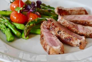 Dieta conține carne și anumite legume