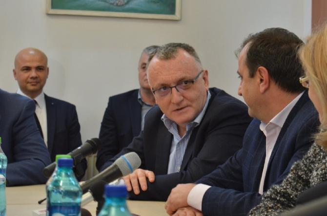 Sorin Cîmpeanu, suspendat. Dan Constantin: Pericol pentru Mircea Diaconu