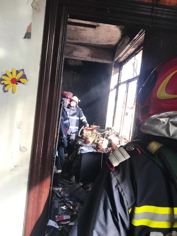 Incendiu școală. Foto: ISU Tulcea