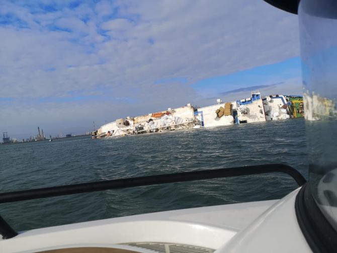 Navă scufundată. Foto: ISU CT