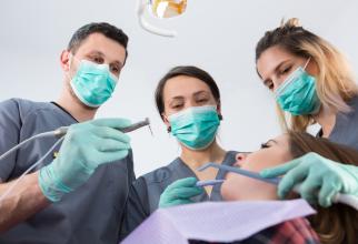 """Stomatologii români,  printre cei mai bine cotați, pe piața internațională  Foto: """"Romanian Medical Tourism Guide"""""""