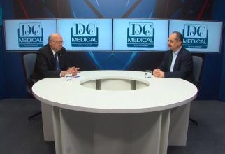Prof dr Irinel Popescu și prof dr Virgil Păunescu. Foto: DC Medical