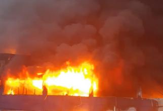 Incendiu hală. Foto: ISU Cluj