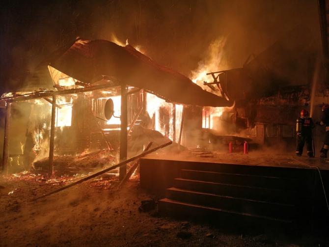 Foto cu caracater ilustrativ / Incendiu cabană. Sursa Foto: ISU Bacău
