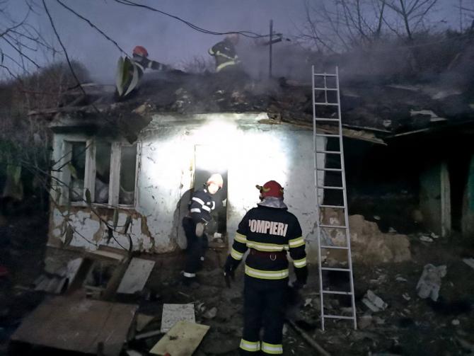 Incendiu casă. Foto: ISU Vrancea