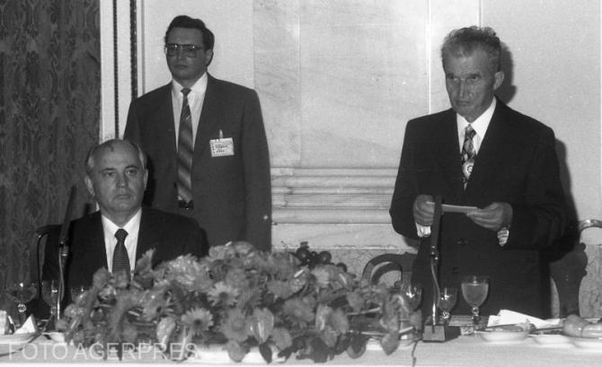 Mihail Gorbaciov și Nicolae Ceaușescu, sursă foto: Agerpres