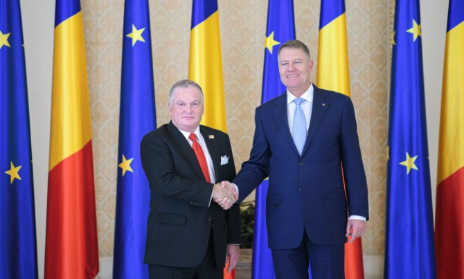 Foto: presidency.ro / Adrian Zuckerman și Klaus Iohannis