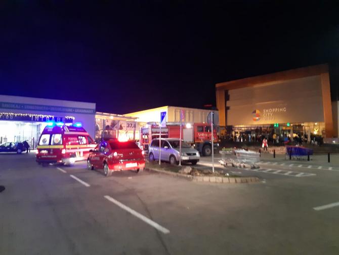 Incendiu mall Sibiu. Foto: ISU Sibiu