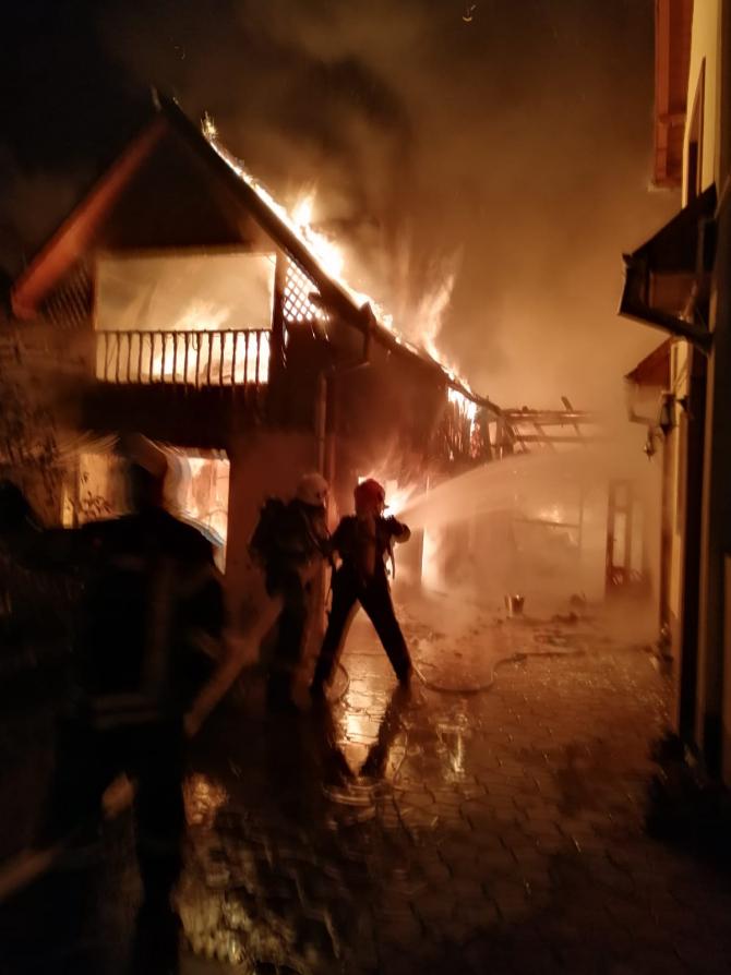 Incendiu puternic. ARHIVĂ Foto: ISU Brașov