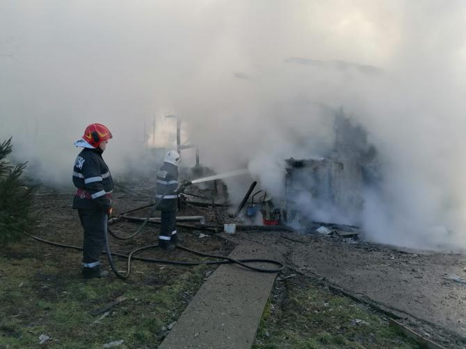 Incendiu casă. Foto: ISU Cluj