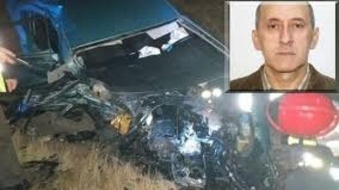 Autoturismul fostului avocat Ernest Andrei Moldoveanu, după accidentul în care a fost implicat  Foto: Antena 3