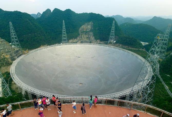MONSTRUL care ascultă Universul: FAST, cel mai mare radiotelescop din lume, a devenit operaţional. foto: @chinadailyhkedition - FB