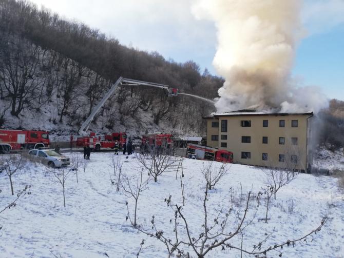 Incendiu bloc. Foto: ISU Cluj