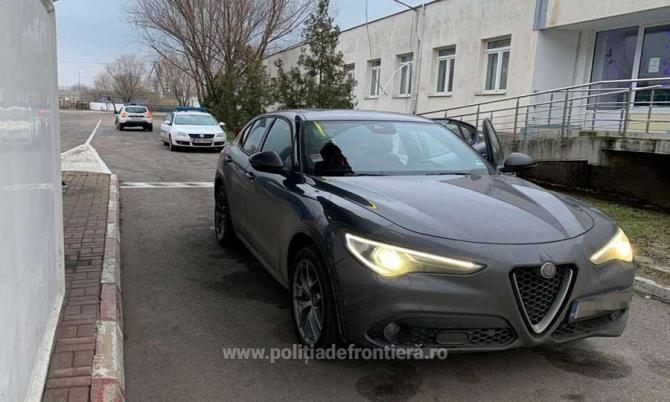 Autoturism de lux căutat în Italia, găsit după 6 luni în România. foto: Poliția de Frontieră
