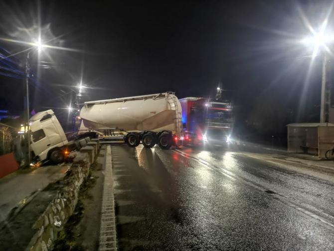 Foto: IPJ Vâlcea / Accident cisternă
