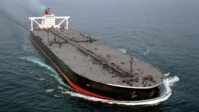 Soluţie pentru menținerea prețului petrolului: depozitarea pe vasele petroliere aflate în largul mărilor