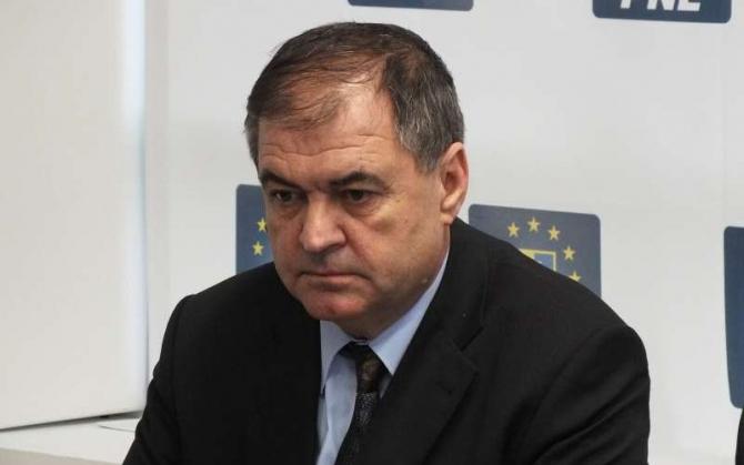 Aurelian Popa, prefectul  județului Dâmbovița
