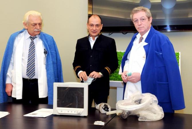 Daniel Băluță, alături de profesorul Streinu Cercel