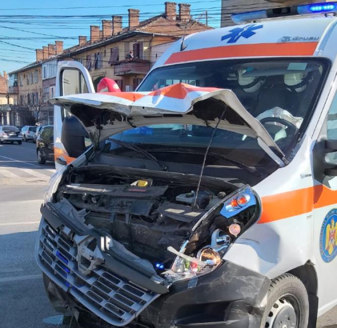 Accident ambulanță. Foto cu caracter ilustrativ. FOTO ARHIVĂ: ISU Alba