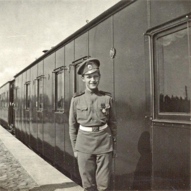 Alexei Nicolaevici  în uniformă de caporal al armatei ruse, 1906