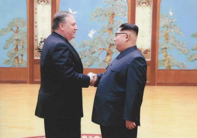 Mike Pompeo, alături de liderul nord-coreean
