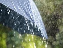 Ploi și ninsori pentru joi
