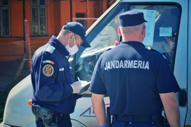 Declarația poate fi scrisă şi de mână   Foto: Jandarmeria Română