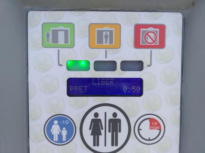 WC-ul lui Boc, mai scump decât casa lui Musk, noi probleme. Persoanele cu dizabilități, interzise