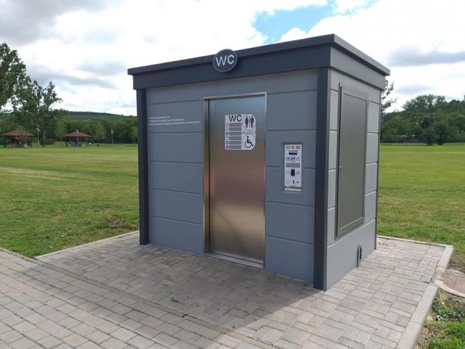 2. -imagine fara descriere- (toaleta-de-lux-cluj-5_24760300.jpg)