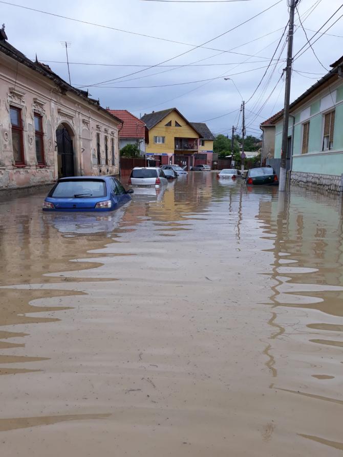 Foto cu caracter ilustrativ. ARHIVĂ. Inundații AIUD. Foto: ISU Alba