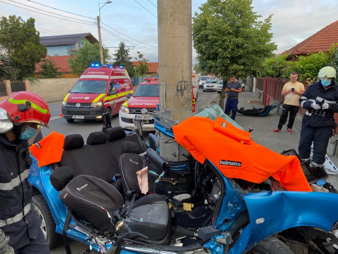 Accident grav pe o stradă din Cluj. Foto: ISU Cluj