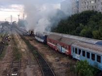 Tren în flăcări. Foto: IGSU