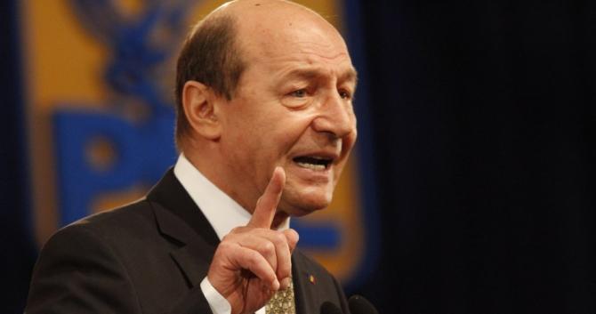 Traian Băsescu: Nu am ezitat să dau o palmă peste ceafă când era Boc premier
