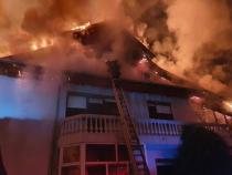 Incendiu casă. Foto: ISU Bacău