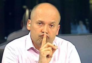 Radu Banciu: Dormi în picioare când aștepți la raclă, dar dormi pe banii tăi.