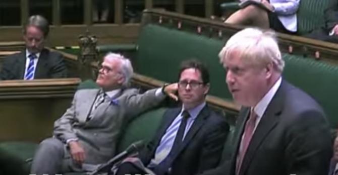 Premierul britanic în Camera Comiunelor