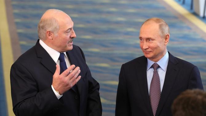Alexandr Lukaşenko a declarat că i-a cerut lui Vladimir Putin să furnizeze arme