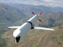Rachetele aer-sol Standoff Land Attack Missile Expanded Response (Slam-ER) au o rază de acţiune de maxim 270 de kilometri