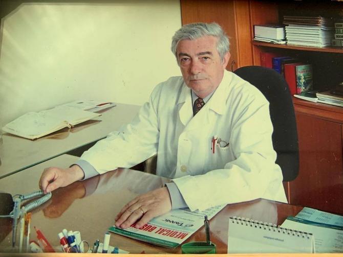Profesorul Dan Olteanu