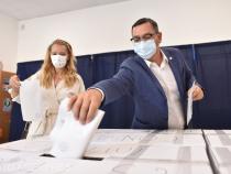 Daciana Sârbu și Victor Ponta votează