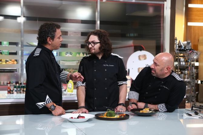 Chefi la cuțite